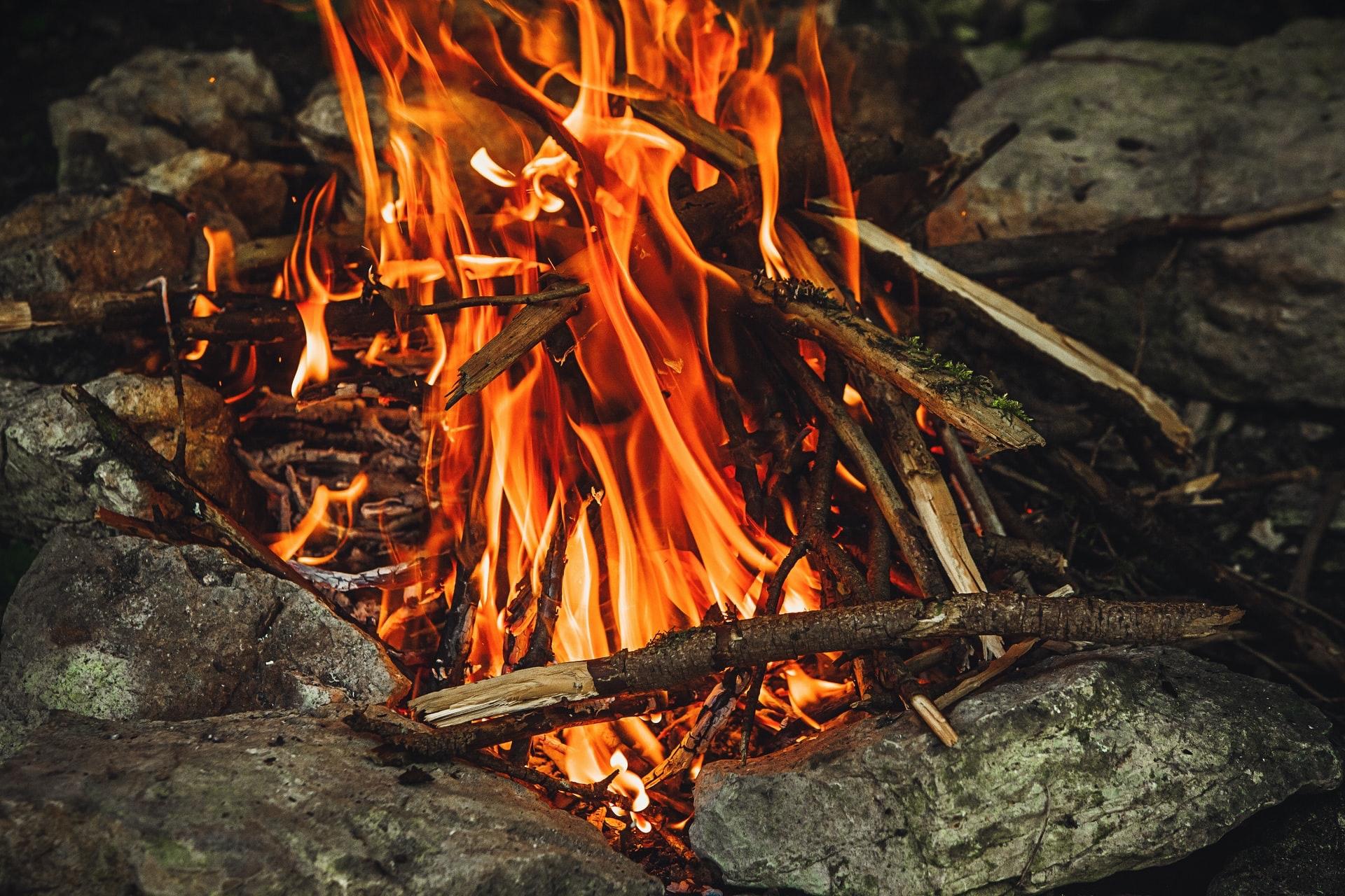 焚き火 直火