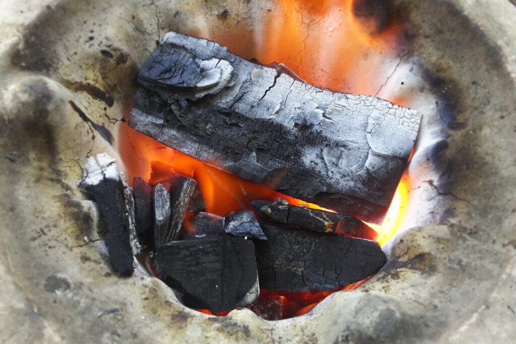 七輪は炭の使用量が少なくて済む