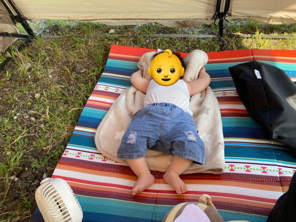 8か月の子供キャンプデビュー!爆睡中